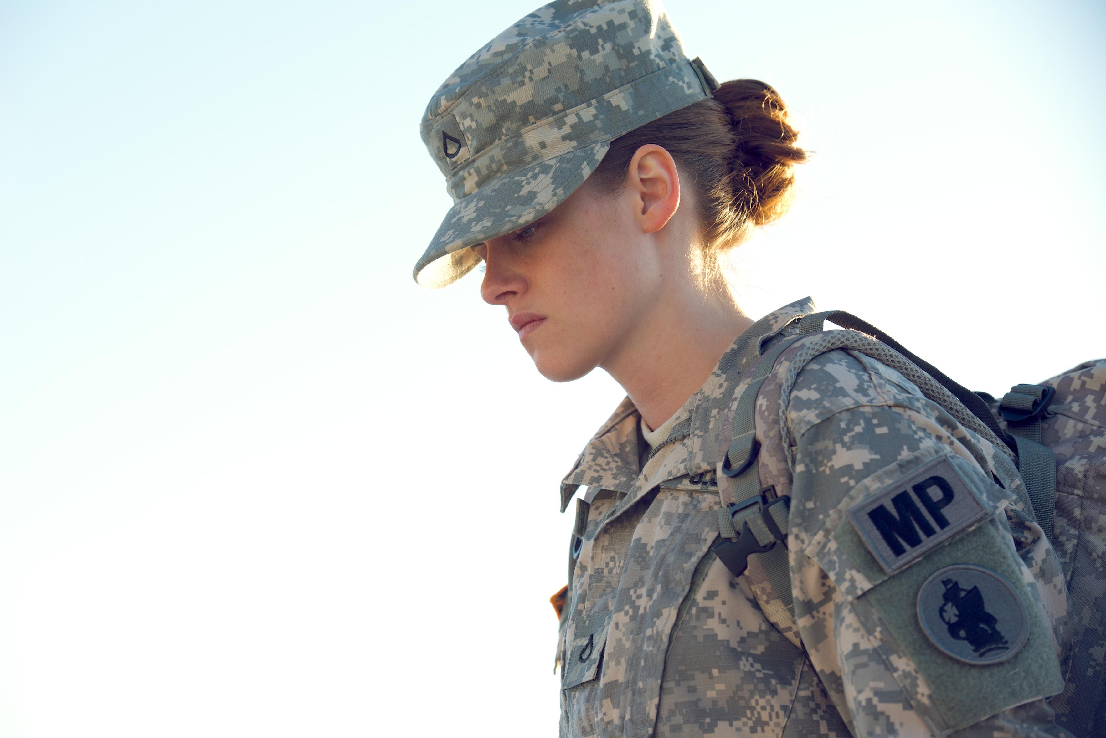 Фотосет в военной форме 12 фотография